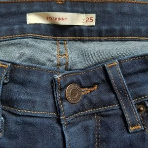 Levi's Jeans - Levi's 711 Skinny Jeans Size 25 - Like New